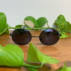 Black Oval 90s Style Sunglasses UV Protection y2k